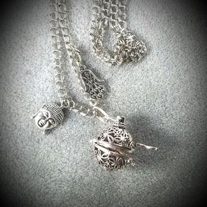 Locket/Diffuser Necklace 31""